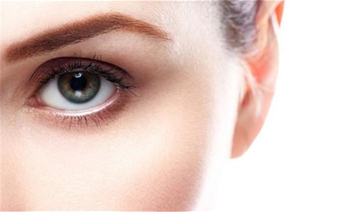 护理眼部的效果最佳时间