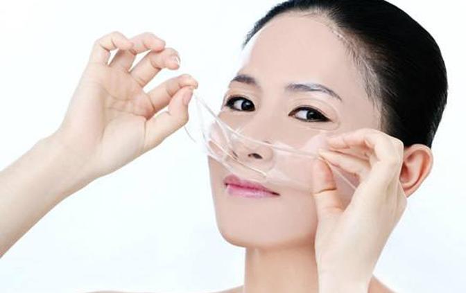 怎么用化妆棉做水膜,化妆棉和化妆水缺一不可!