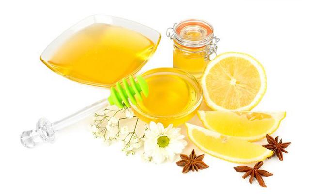 想要冬季白回来?自制柠檬蜂蜜面膜快速帮你白