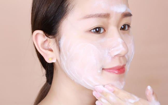 油性皮肤怎么洗脸?这才是正确步骤