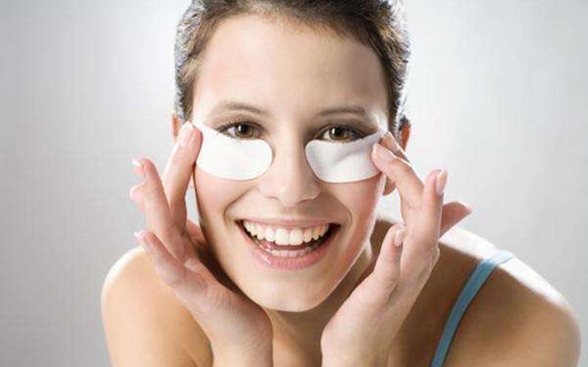 眼袋怎么办?自制眼膜简单又有效